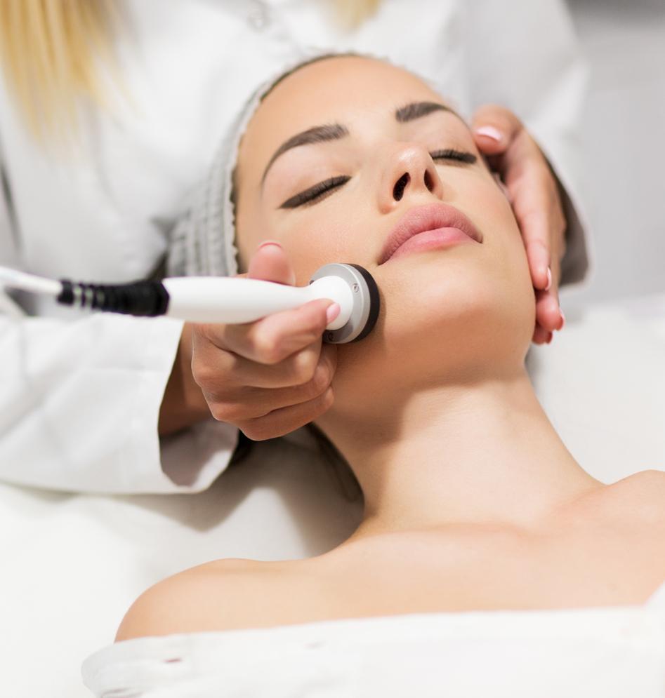 Cosmeceuticals Behandlung – Glättet feine Linien